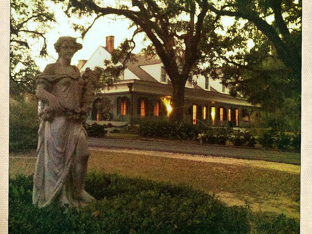 Murder at the Myrtle Plantation