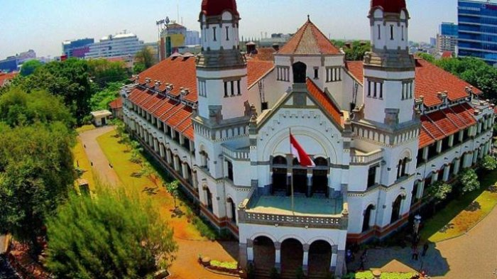 A photo of Lawang Sewu in the morning