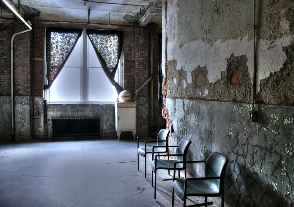 A photo showing one of the windows at the Waverly Hills Sanatorium