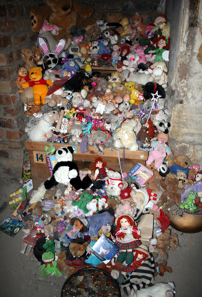 A photo showing some of the gifts left for Annie at Mary King's Close