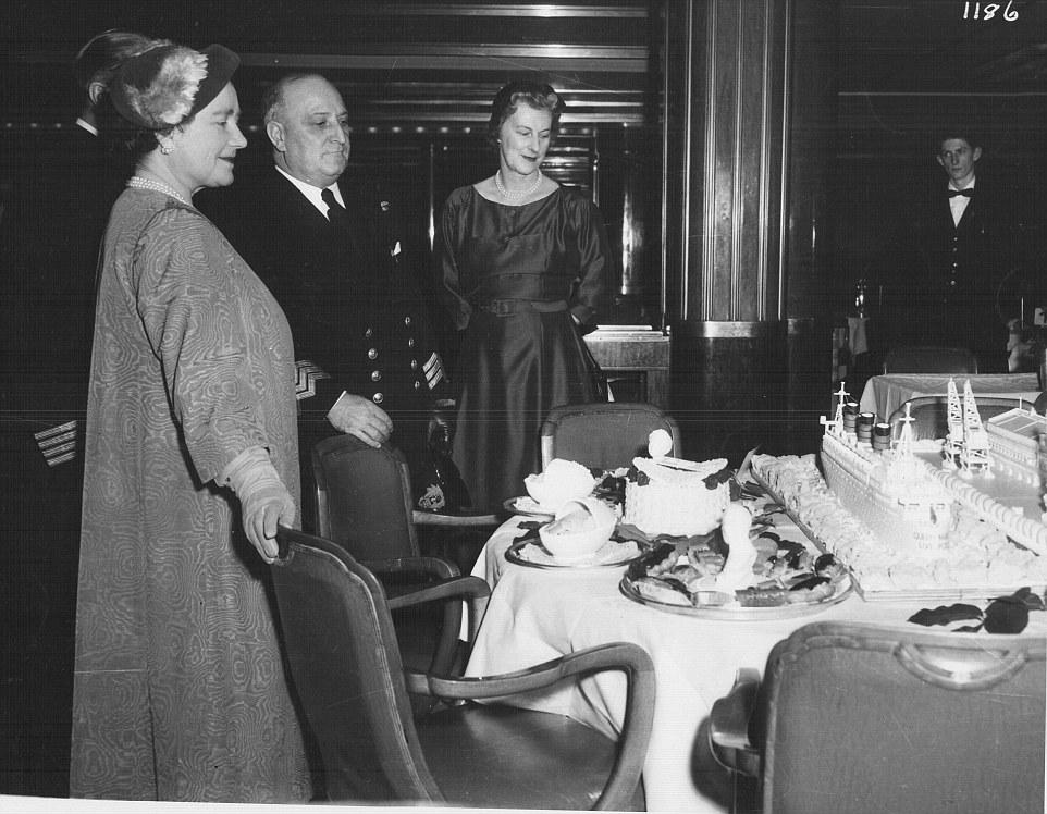 Queen Elizabeth tours the Queen Mary