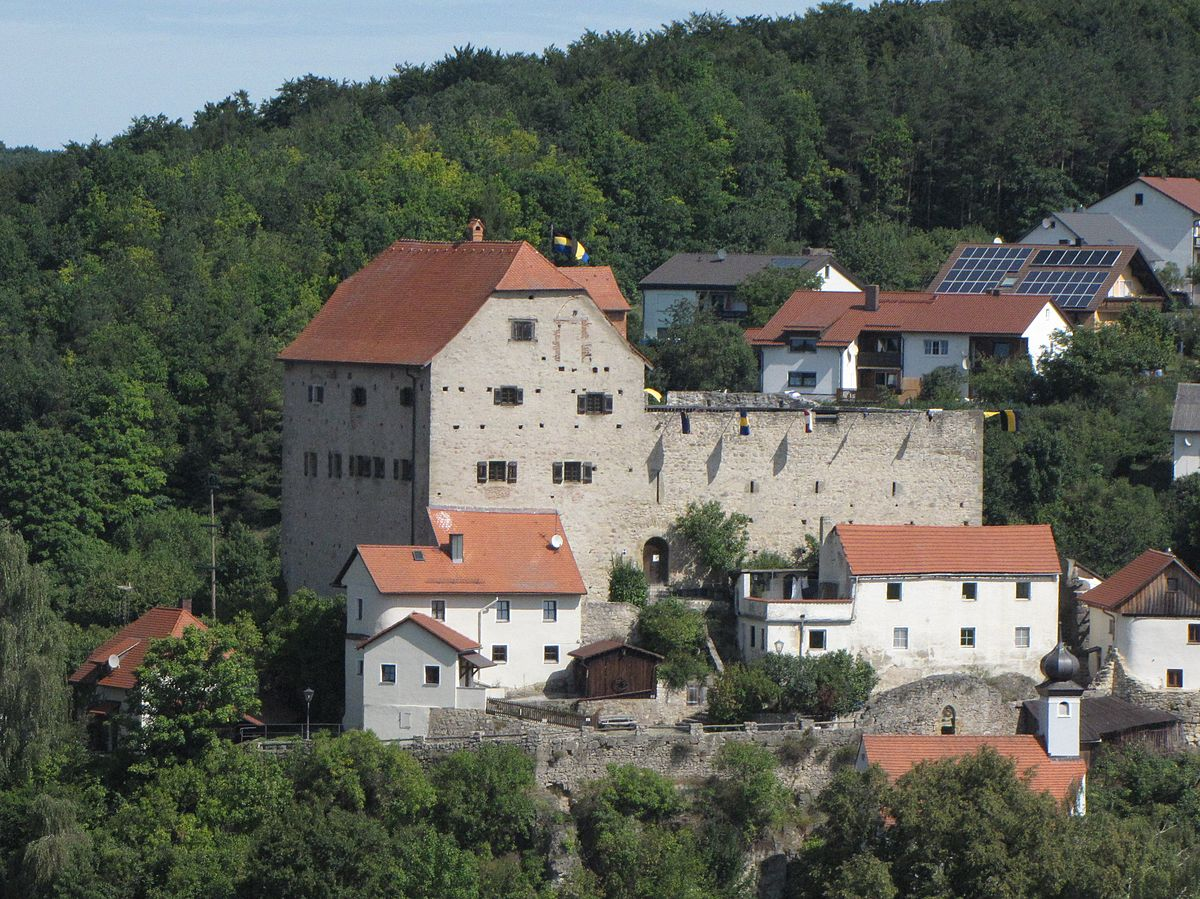 A photo of the Wolfsegg Castle from afar
