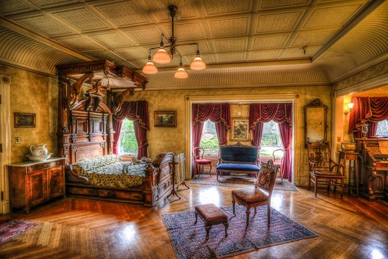 One of the bedrooms at the Winchester Mystery House