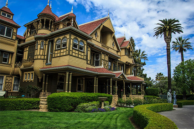 The Winchester Mystery House from the outside