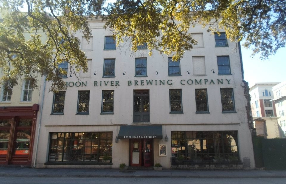 A photo showing the facade of Moon River Brewing Company