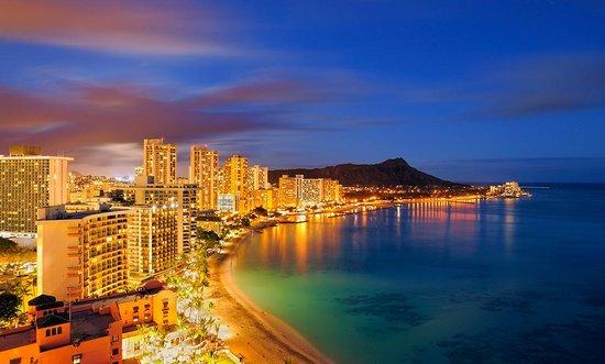 A sunset photo showing Honolulu