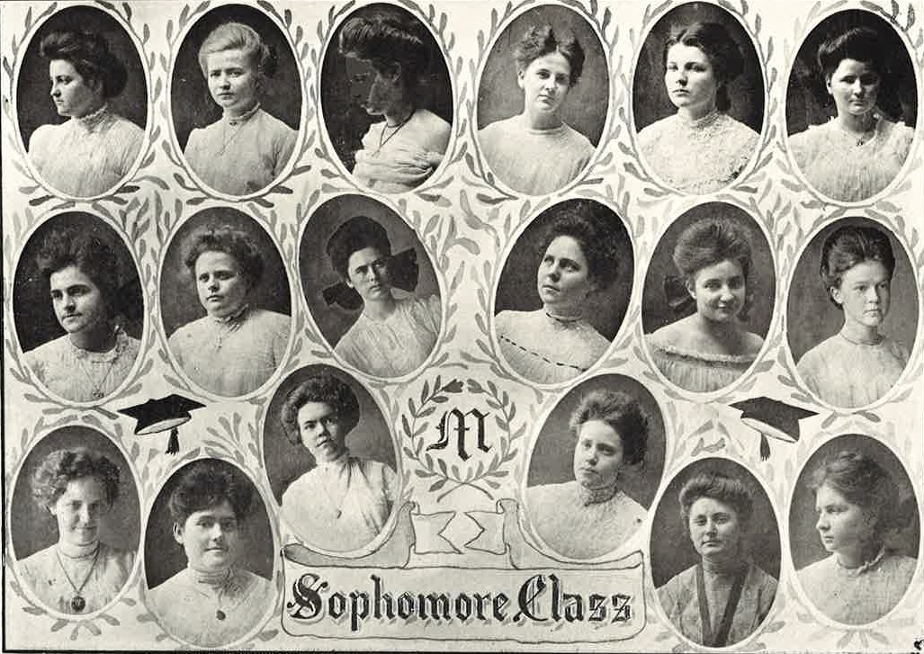 Condie Cunningham is part of this sophomore class but she has not been identified in this photo